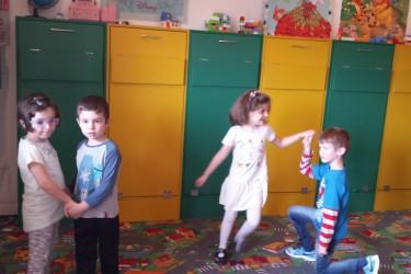 Grupa mare si grupa mijlocie- 29 Aprilie – Ziua Internationala a Dansului
